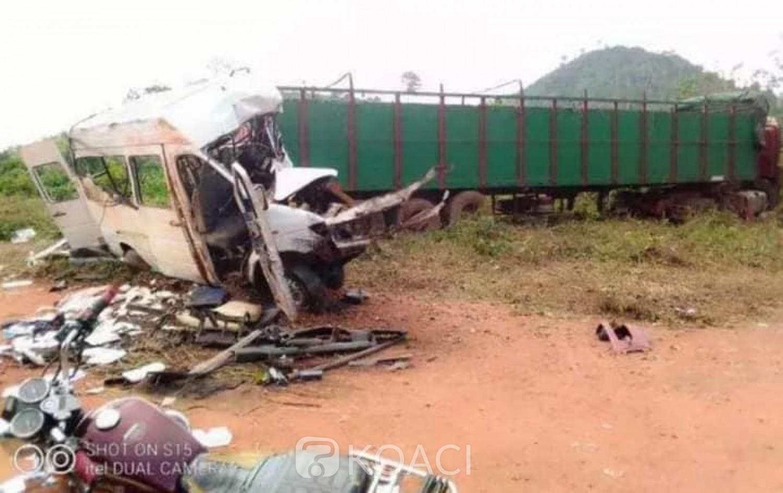 Côte d'Ivoire : Logoualé, 16 morts dans un grave accident de circulation impliquant un véhicule de transport et un camion-remorque