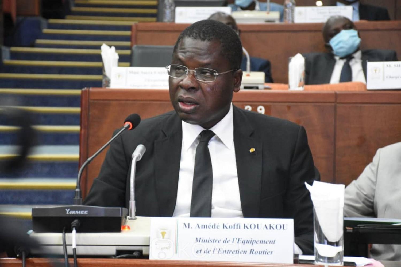 Côte d'Ivoire:    Entretien routier, le ministre Amédé annonce l'utilisation de 260 PME nationaux qui grattent les routes et construisent des petits ouvrages