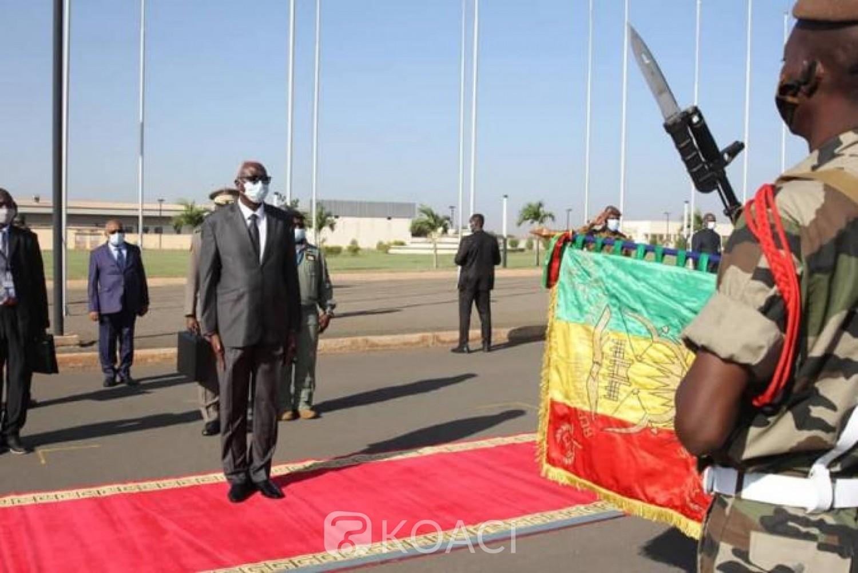 Mali : A Abidjan,le Président de transition Bah Ndaw dément les rumeurs sur sa démission