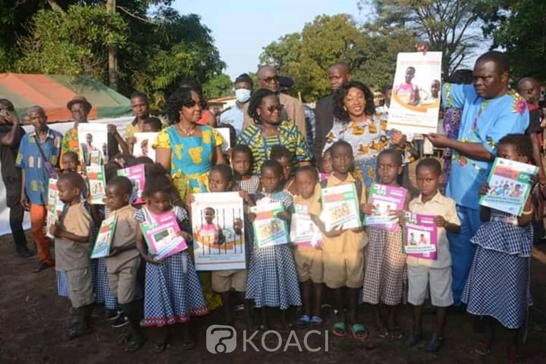 Côte d'Ivoire : Botro, la banque mondiale sur le terrain pour s'assurer de la distribution des manuels scolaires
