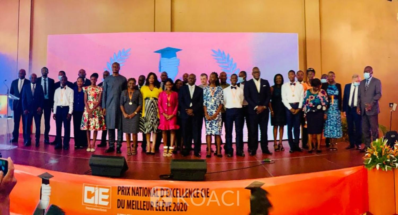Côte d'Ivoire : Prix national d'excellence, pour la 6ème édition, 09 lauréats reçoivent des récompenses de la CIE