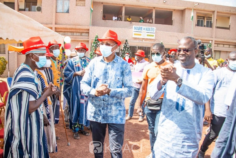 Côte d'Ivoire : En marge de la cérémonie d'hommage à Gon, à Kouto, le Ministre Bruno Koné aux côtés des enfants
