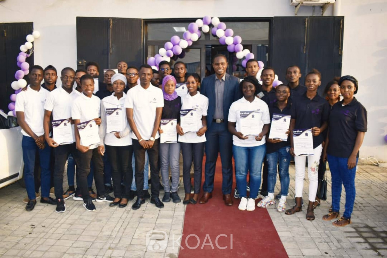 Côte d'Ivoire : Remise de diplôme de la 3ème promotion, des étudiants de  l'école informatique NaN présente un projet innovant
