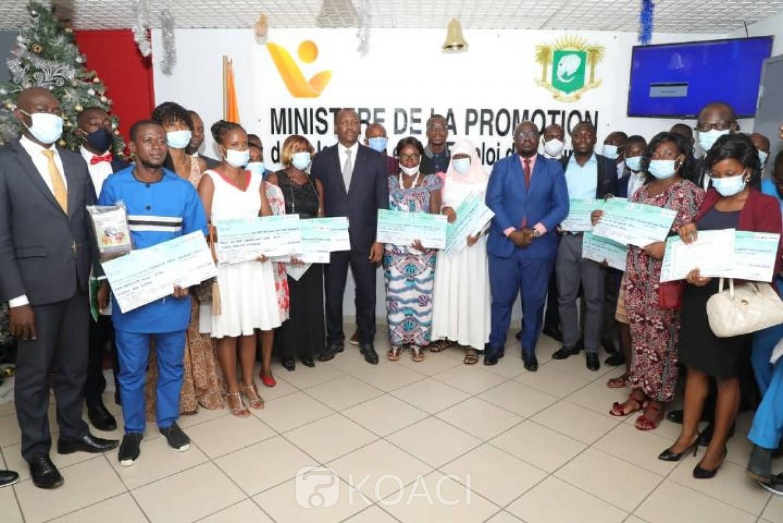 Côte d'Ivoire : 20 jeunes reçoivent plus de 500 millions FCFA pour des projets dans le secteur agricole