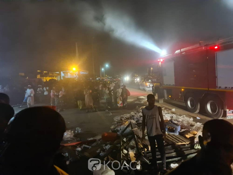 Côte d'Ivoire :    Adjamé, un incendie ravage des magasins en caisses métalliques non loin du siège de la Centrale Dignité, de nombreux dégâts matériels enregistrés et des millions de FCFA de pertes