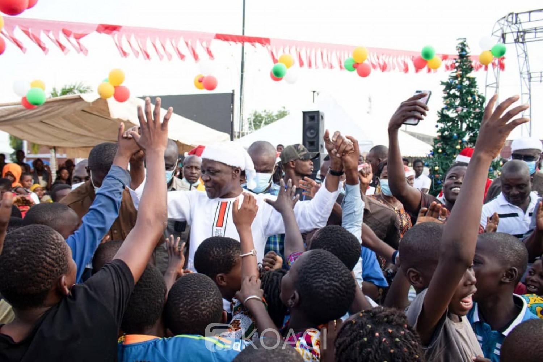 Côte d'Ivoire : Bouaké, pour la fête de Noël, 3000 enfants gâtés de cadeaux par le Ministre Amadou Koné