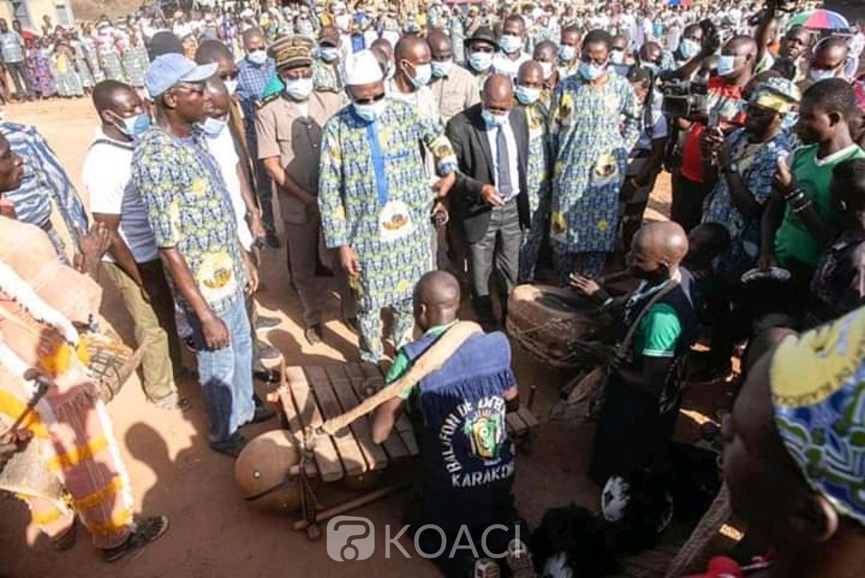 Côte d'Ivoire : Korhogo, célébrant leur raccordement au réseau électrique, trois villages rendent hommage à Amadou Gon Coulibaly