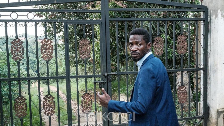 Ouganda : Toujours « bloqué », Bobi Wine porte plainte contre l'Etat pour détention arbitraire