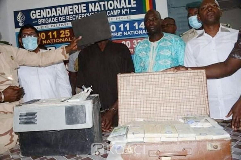 Mali : Un marabout à la tête d'un trafic de faux billets interpellé, plus de 5 milliards de FCFA saisis