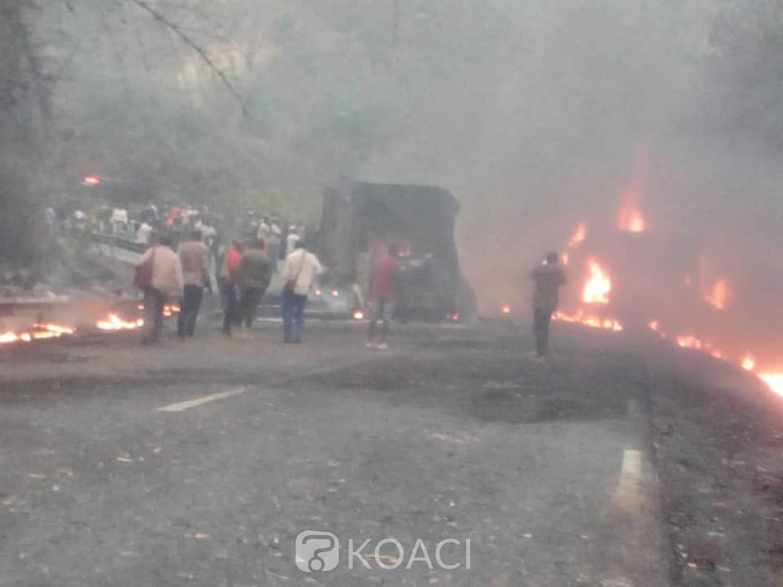 Cameroun : Des dizaines de victimes calcinées dans la collision d'un bus avec un camion de produits pétroliers