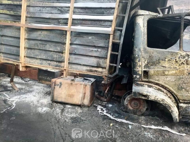 Cameroun : 53 morts tous calcinés, 29 blessés 1er bilan officiel de la collision entre un bus et un camion de produits pétroliers