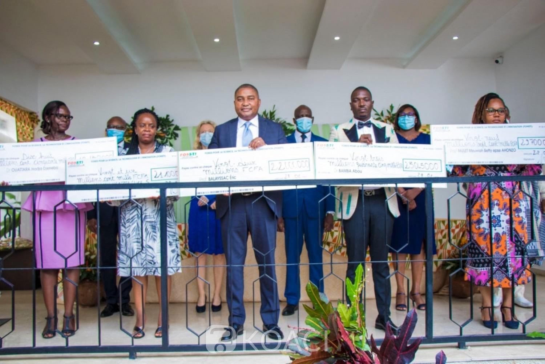 Côte d'Ivoire :   FONSTI, 5 chercheurs reçoivent la somme de 113995000 millions de FCFA pour la réalisation de leurs projets de lutte contre les maladies chroniques