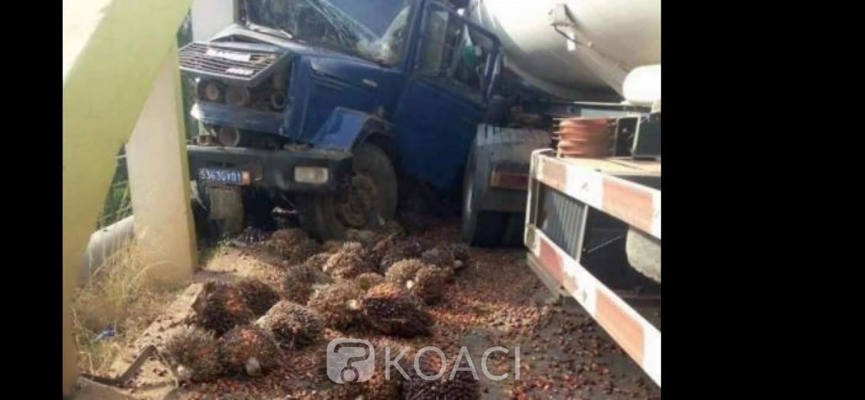 Côte d'Ivoire : Tiassalé, deux camions se percutent sur le pont, l'un manque de peu de tomber dans le fleuve Bandama, la voie coupée pendant des heures