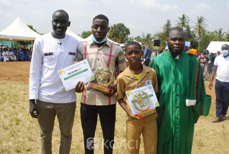 Côte d'Ivoire :    Promotion de l'Excellence à Divo, les meilleurs élèves de tous les établissements publics et privés du CP1 à la terminale primés par le député Famoussa qui invite les enfants à tour