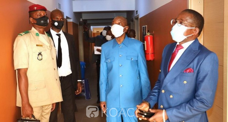 Guinée : Irrité, Alpha Condé menace de sanctionner des ministres pour « absence » lors d'une visite surprise