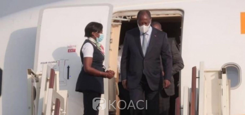 Côte d'Ivoire : Ouattara parti sans bruit en France, retour sans bruit à Abidjan