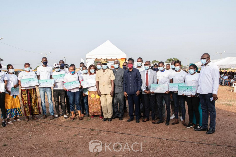 Côte d'Ivoire : Bouaké, pour financer leurs activités, 600 jeunes bénéficient de 270 millions