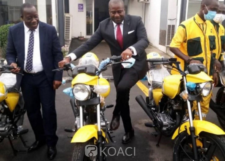 Côte d'Ivoire : Pour faciliter ses déplacements, une entreprise privée offre 50 motos à la Poste de Côte d'Ivoire dans le cadre d'une convention cadre