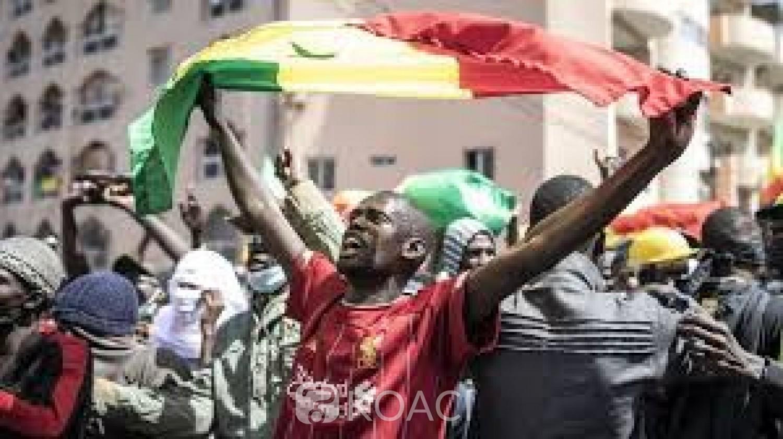 Sénégal : La tension faiblit, le M2D suspend son appel à manifester