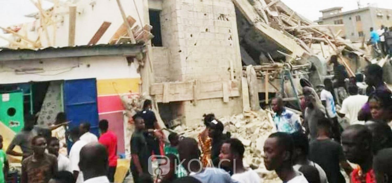 Côte d'Ivoire : Cocody, un immeuble en construction s'effondre, des personnes emprisonnées sous les décombres