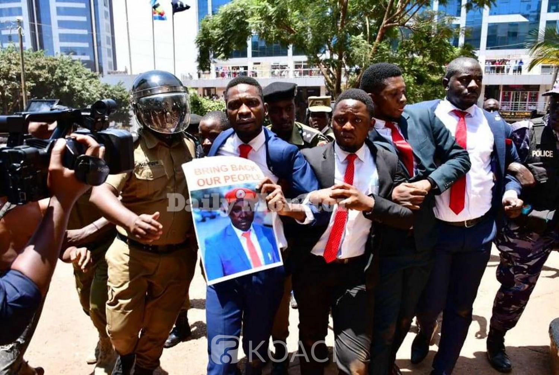 Ouganda : L'opposant Bobi Wine se fait à nouveau arrêté à Kampala
