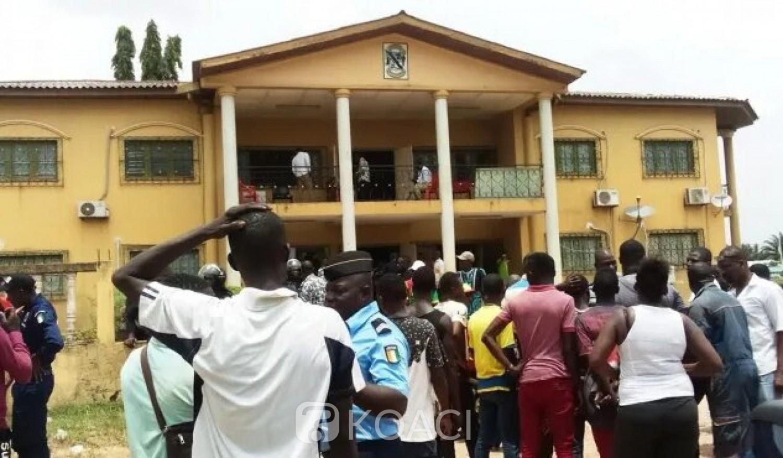 Côte d'Ivoire : Aboisso, le maire dénonce ceux qui ont autorisé la construction de la stèle et décide de porter plainte contre tous les hors la loi