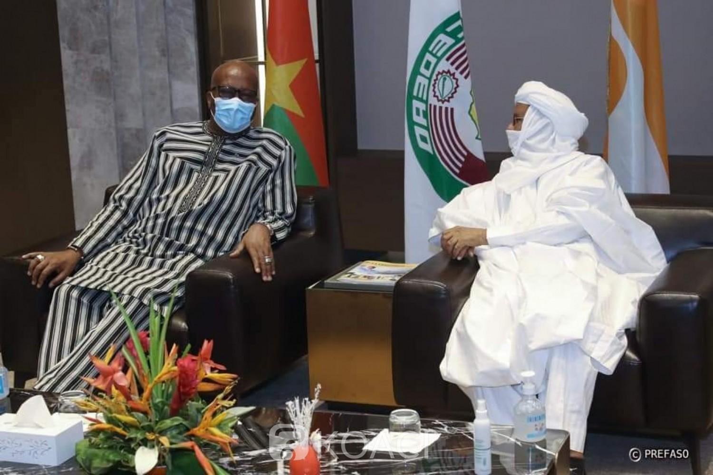 Burkina Faso : Roch Marc Kaboré à Niamey pour l'investiture du nouveau président élu