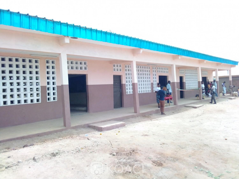 Côte d'Ivoire : Sakassou, « pour faire en sorte que le bien être aille vers nos populations », Ahoutou remet six classes et met N'Gbandobonou sous tension électrique
