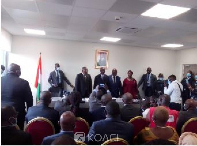 Côte d'Ivoire : Avant son départ des Affaires Maritimes, Philippe Légré présente ses excuses à Amadou Koné