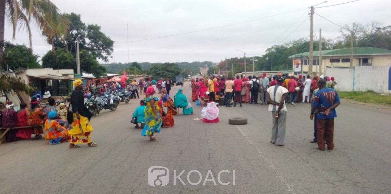 Côte d'Ivoire : Bouaké, des agents municipaux en colère bloquent la Nationale A3, la réaction du maire attendue