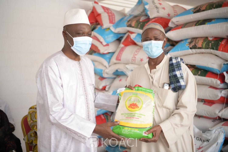 Côte d'Ivoire : Bouaké, pour le mois de jeûne, 80 tonnes de riz et de sucre offertes aux populations par le ministre Amadou Koné