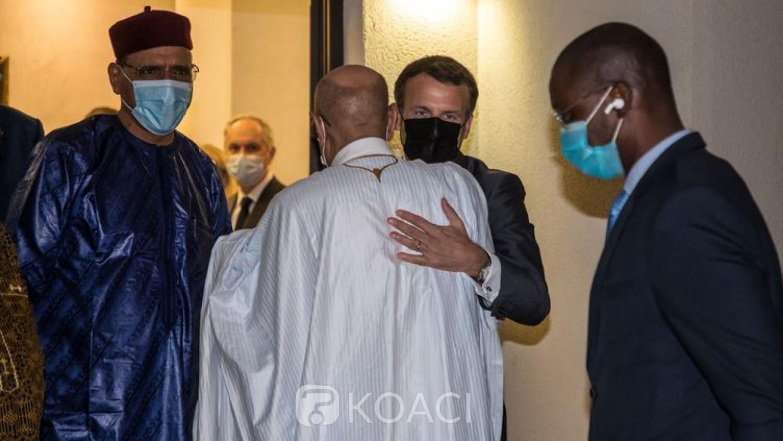 Tchad : Funérailles d'Idriss Déby, le Président français Emmanuel Macron est arrivé à N'Djamena