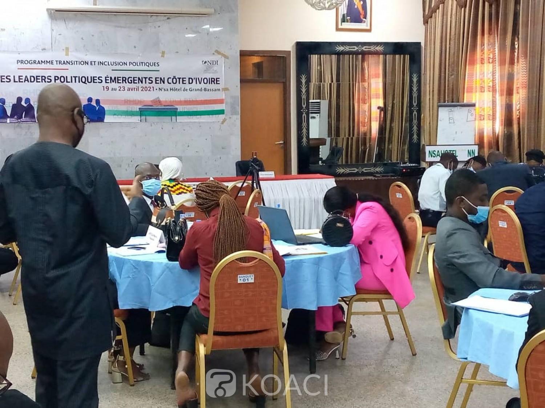 Côte d'Ivoire : Grand-Bassam, des jeunes du Rhdp, Eds, Pdci et FPI réunis autour d'une table pour prôner la cohésion sociale