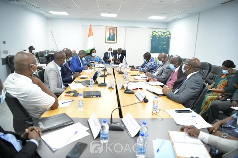Côte d'Ivoire : Les Inspecteurs affectés au service des examens théoriques et pratiques du Permis de conduire suspendus à compter du 26 avril prochain, la gendarmerie à la manœuvre