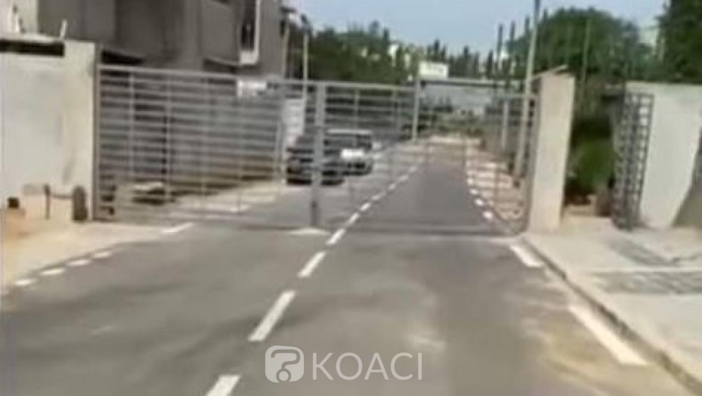 Côte d'Ivoire : Destruction d'une clôture édifiée sur une route, qui a bien pu la construire?