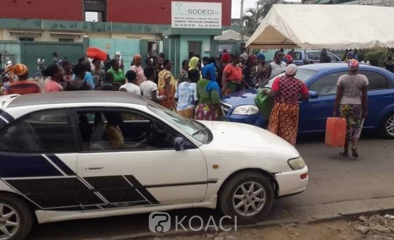 Côte d'Ivoire : Yopougon, privés d'eau depuis des jours ils manifestent devant le siège de la Sodeci