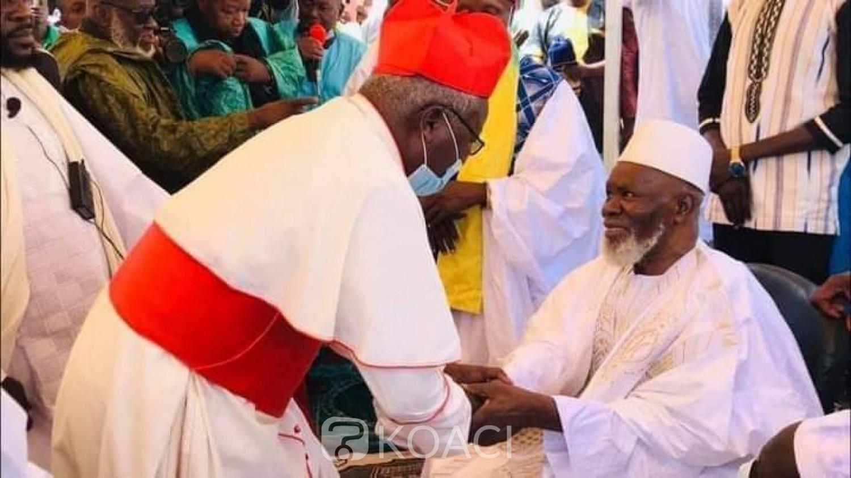 Burkina Faso : Célébrant concomitamment le Ramadan et l'Ascension, musulmans et chrétiens prient pour la paix