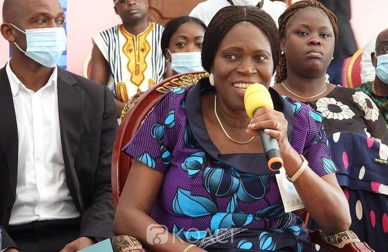 Côte d'Ivoire : Perturbation du réseau électrique, Simone Gbagbo invite le Gouvernement à faire une grande place aux énergies renouvelables