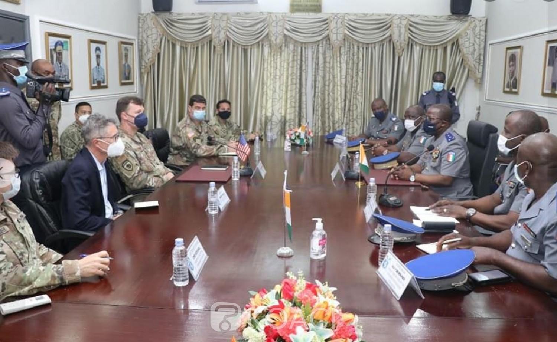 Côte d'Ivoire : Lutte contre le Terrorisme dans le Nord, les Etats-Unis  et le commandant supérieur de la Gendarmerie réfléchissent sur la stratégie à adopter