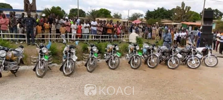 Côte d'Ivoire : Béoumi, pour leur mobilité, chefs et guides religieux reçoivent des motos du Dircab Oka Séraphin, les femmes non ignorées
