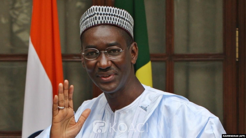 Mali : Moctar Ouane et Bah N'Daw en résidence très surveillée, selon leur entourage