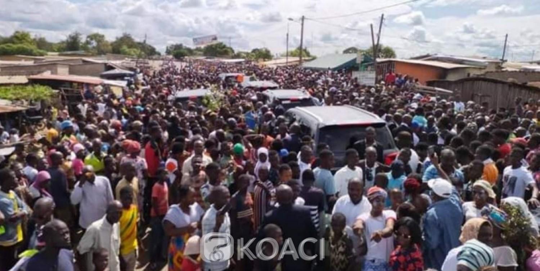 Côte d'Ivoire : En route pour son village maternel, le cortège de Laurent Gbagbo bloqué à Bazra, sur l'axe Sinfra Blouzon