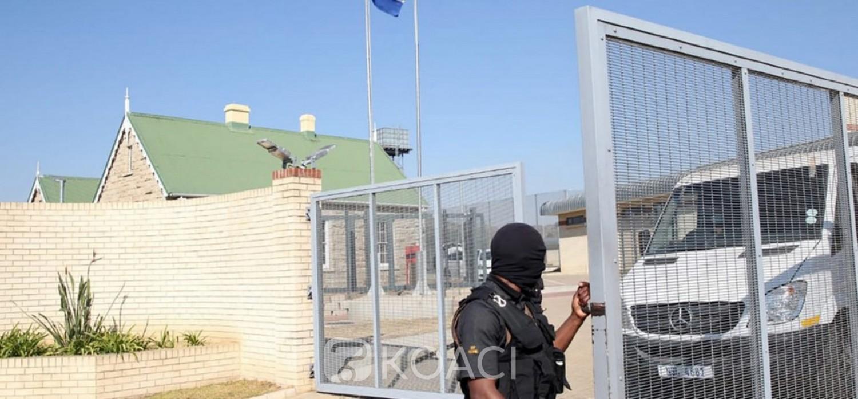 Afrique du Sud :  Poursuite contre une fuite de photos de Zuma en prison