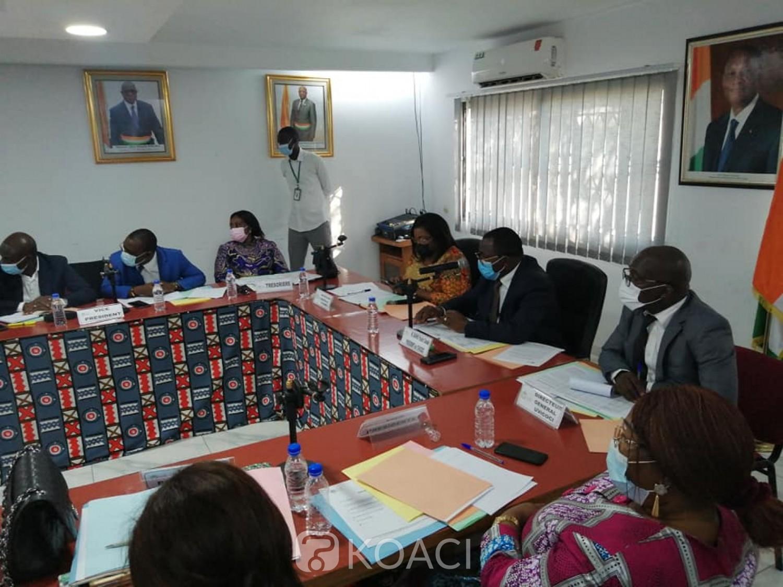Côte d'Ivoire : Litige Mairie du Plateau et le District, l'UVICOCI dénonce des  faits extrêmement graves et demande à  Jacques Ehouo de surseoir à l'idée de reprise des travaux