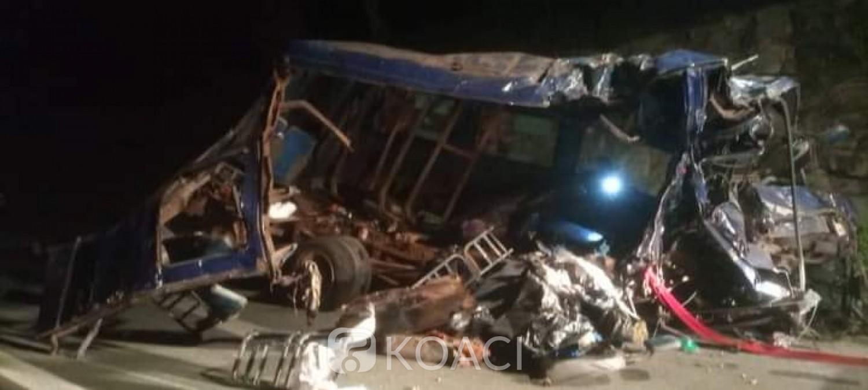 Côte d'Ivoire : Accident meurtrier sur l'autoroute du Nord, 23 morts et 33 blessés lors d'une collision entre un car de transport et Gbaka