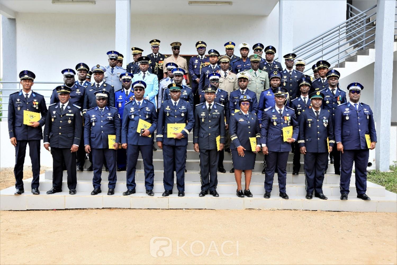 Côte d'Ivoire :  21 nouveaux brevetés de l'Ecole de Guerre reçoivent leurs diplômes