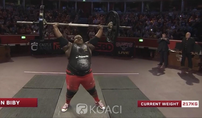 Burkina Faso : à Londres, le Burkinabé Iron Biby bat le record du monde au axle press