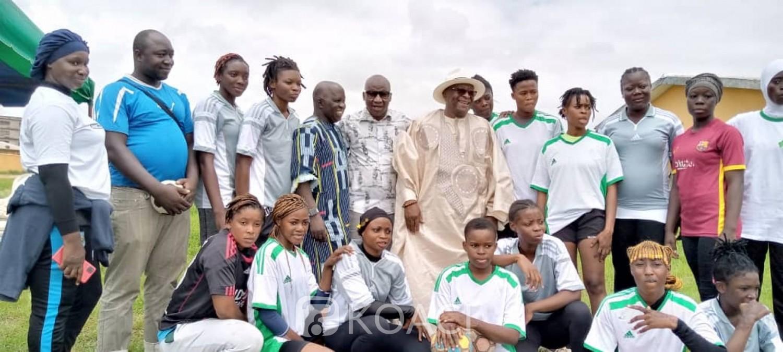 Côte d'Ivoire : Bouaké, afin de renforcer la cohésion entre enseignants d'un Lycée, une activité sportive organisée