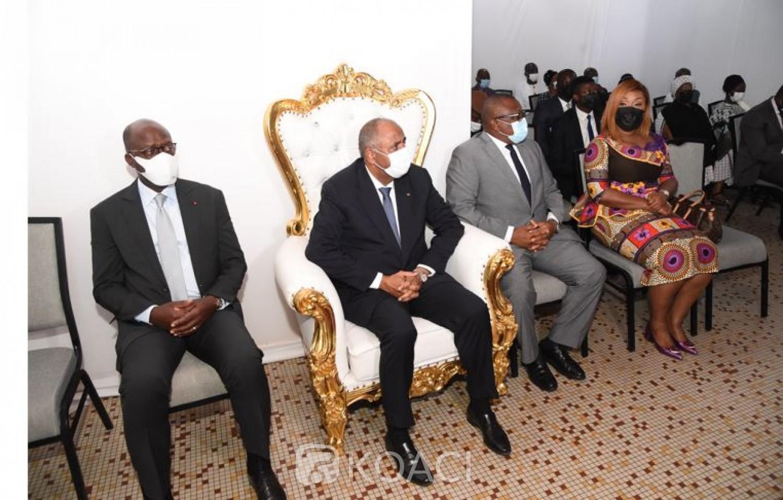 Côte d'Ivoire : Le Premier Ministre à la tête d'une forte délégation présente les condoléances du Gouvernement à la Famille d'Auguste Daubrey