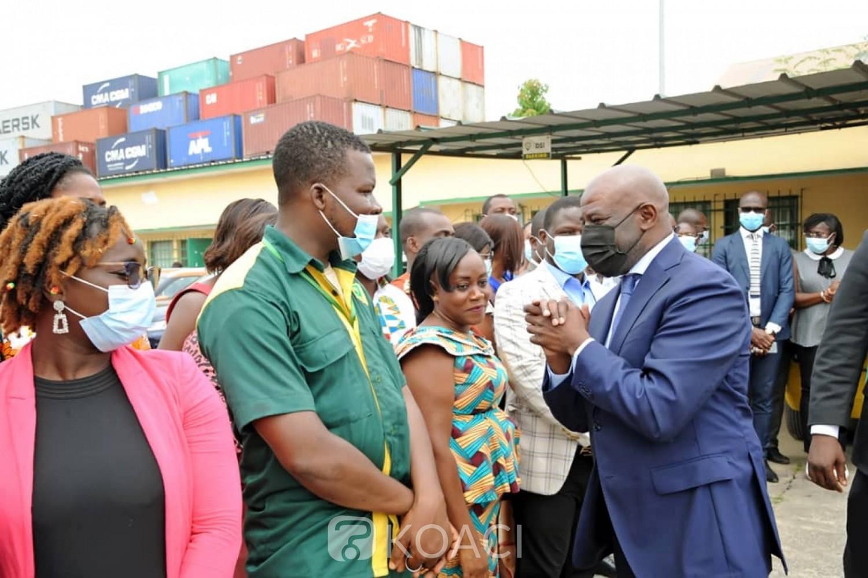 Côte d'Ivoire :  A quelques jours du 27ème Congrès de l'UPU, les postiers expriment des inquiétudes face aux paiements de leurs salaires, le ministre Adom rassure